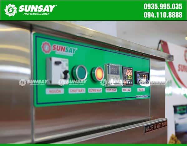 Bảng điều khiển máy sấy lạnh mini 12 khay chuyên sấy thực phẩm SUNSAY