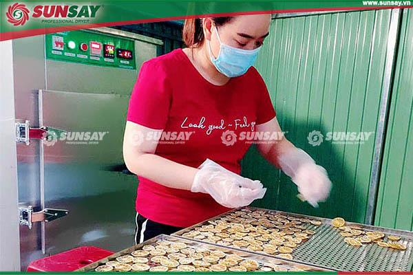 Chanh tươi sấy bằng máy sấy lạnh SUNSAY Việt Nam bảo quản lâu hơn